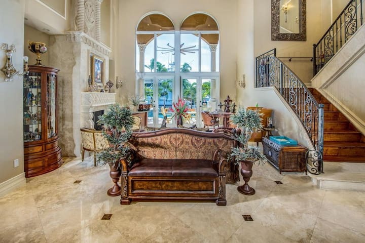 Luxurious Getaway on the Water - Boca Raton - Hus