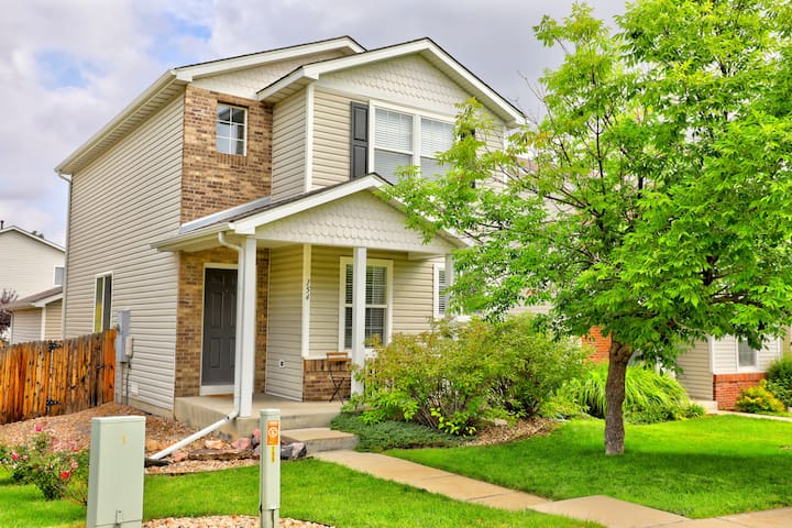 Beautifully Updated Home in North Denver, Garage