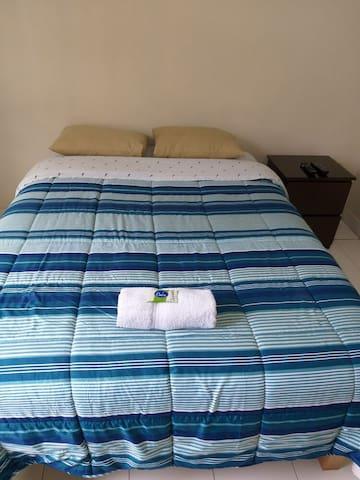 1 cama en habitacion privada baño compartido 204