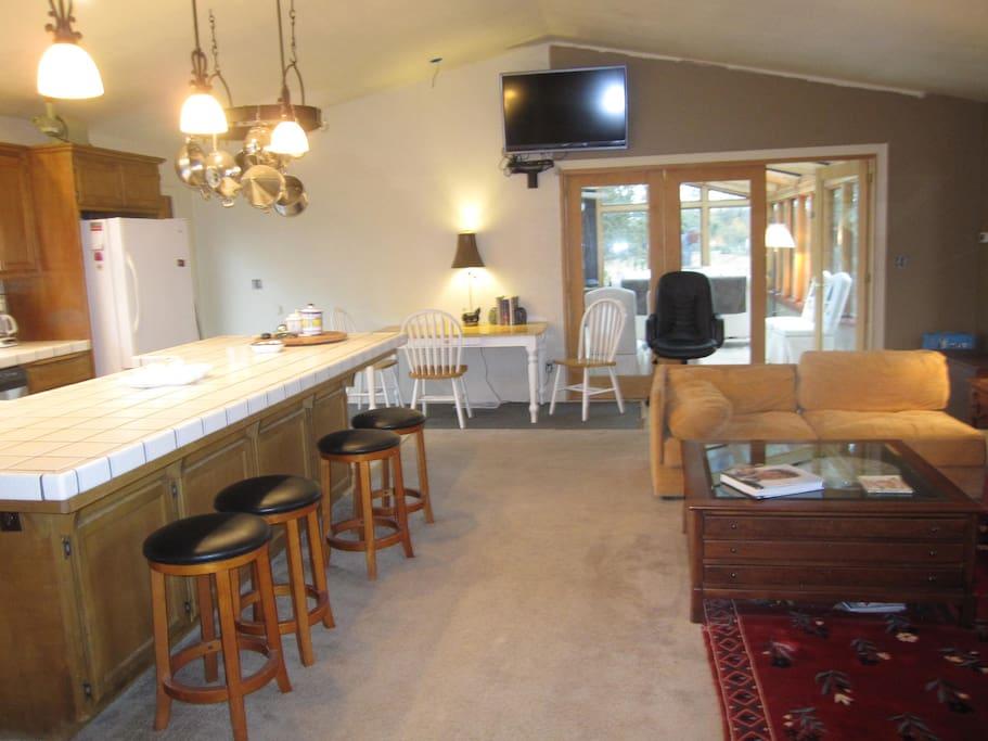 Kitchen (Great Room)
