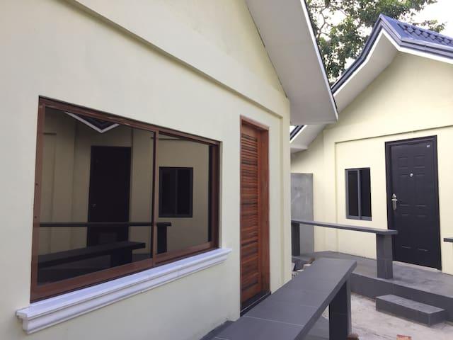 JC Bed & Breakfast - Manila - House