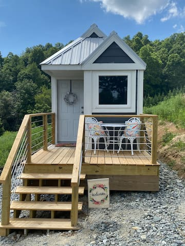 Blue Ridge Tiny House Escape