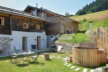 Ecodesign Chalet with sauna and a view of Mt Blanc