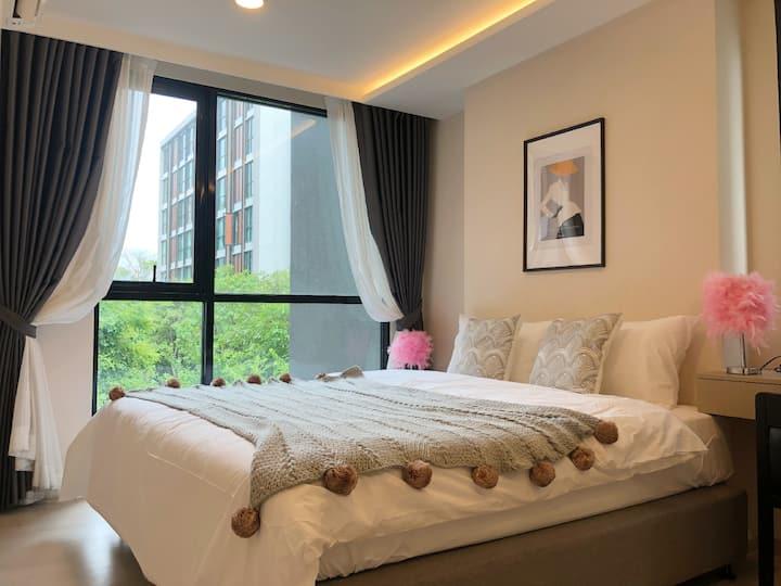 通罗/伊卡迈街区·NANA·个性化房间·游泳池·免费停车·中文接待·曼谷中心城区