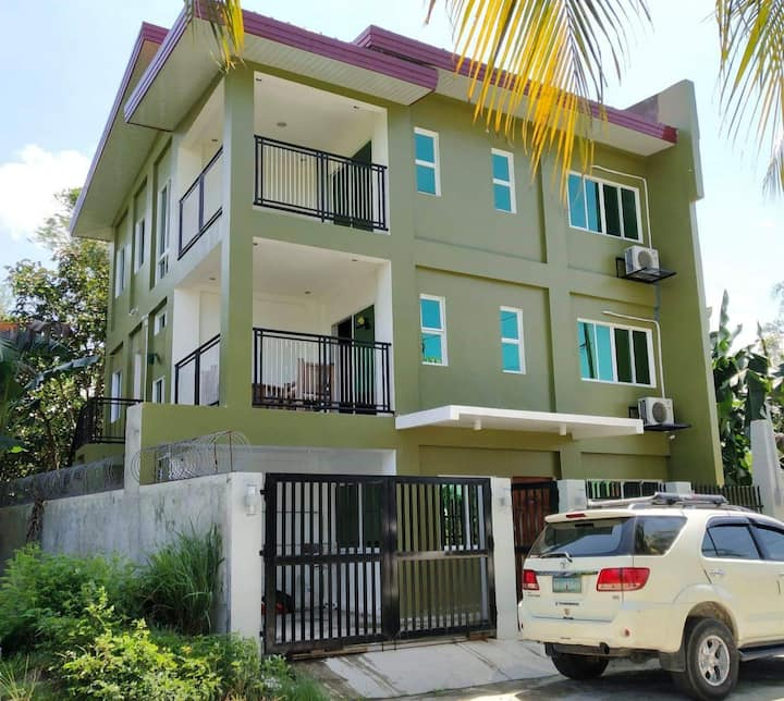 2-Bedroom Apartment | Wi-Fi | Airconditioned Rooms
