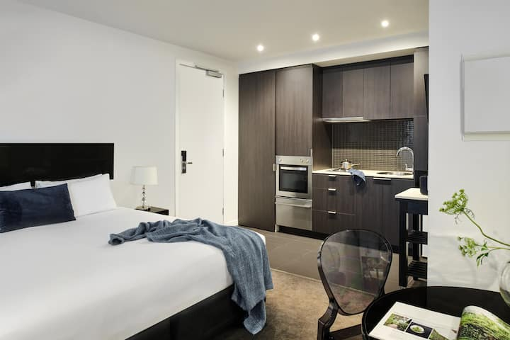 South Yarra Studio Apartment - 14+ Nights