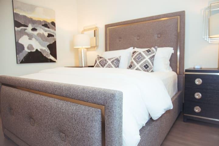 Stunning Domain Luxury Apartment