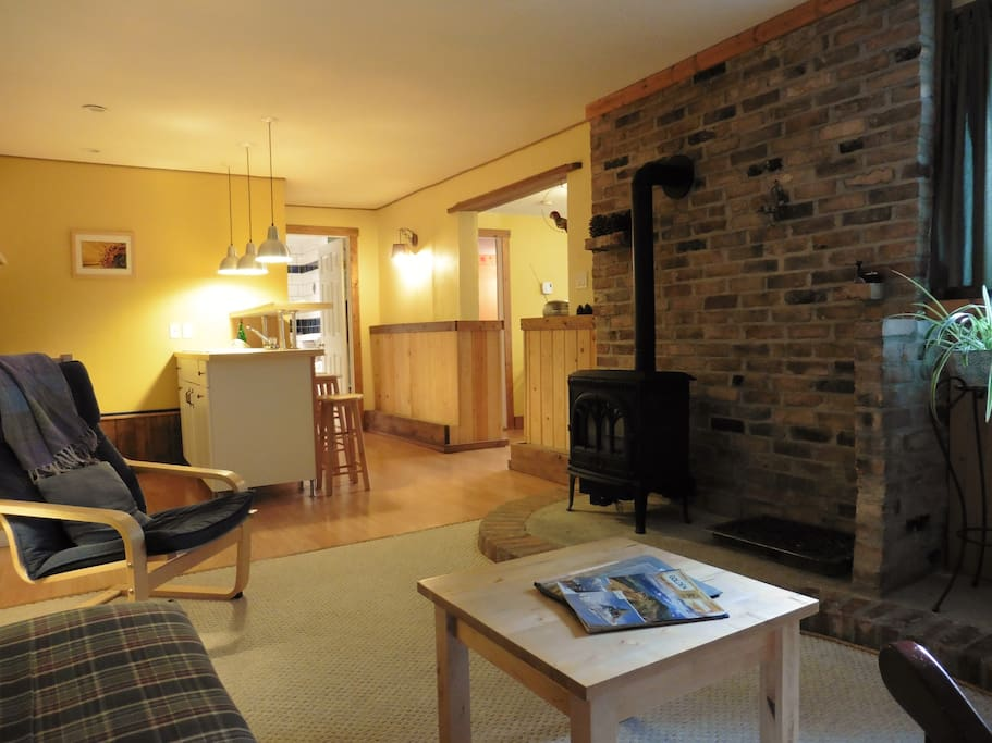 Spacious living are with gas fireplace
