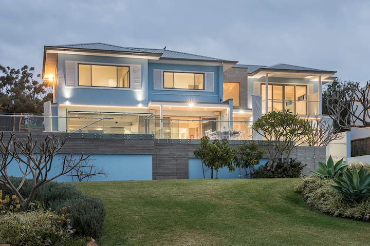 Eagle Bay's Luxury Ella Estate