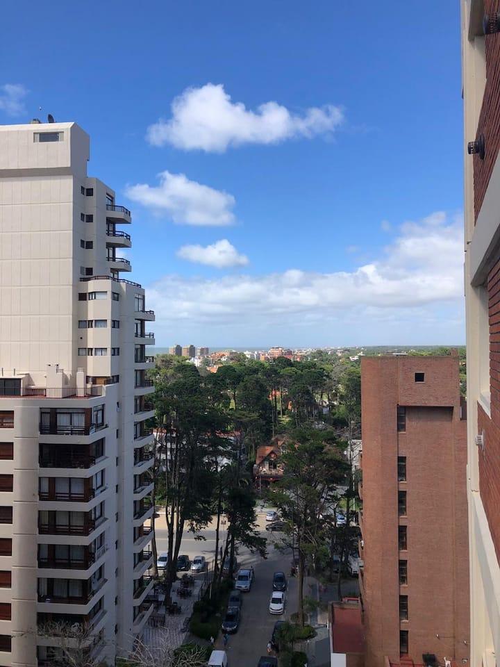Dpto en Pinamar centro+cochera+balcón+vista al mar