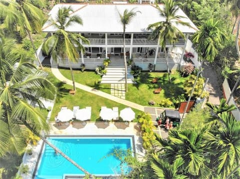 Plantation House, your place to relax in the sun!