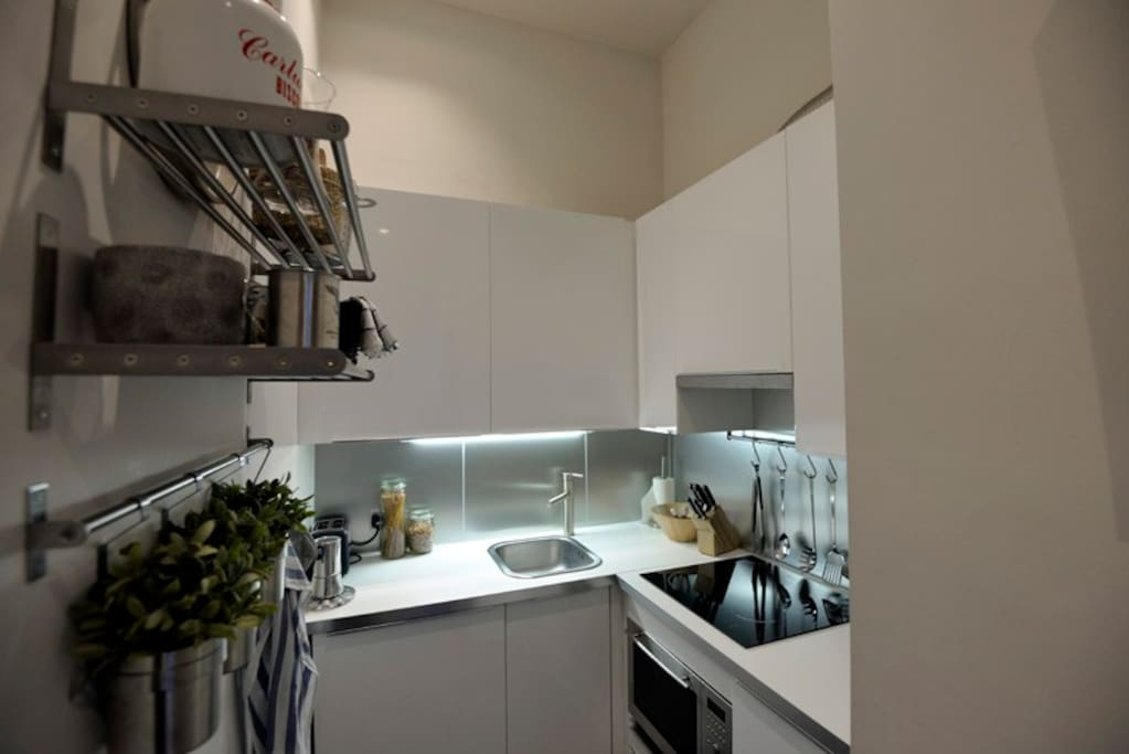 fully fitted contemporary kitchen