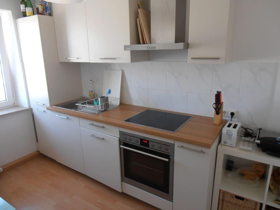 Shared kitchen, incl. dishwasher.