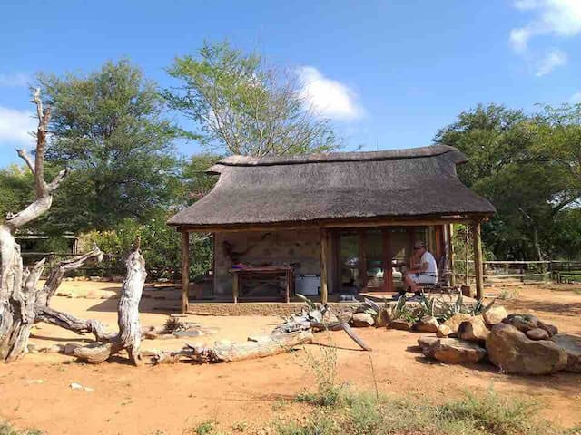 Limpopo River Quirky Cabin, Tuli Block, Botswana