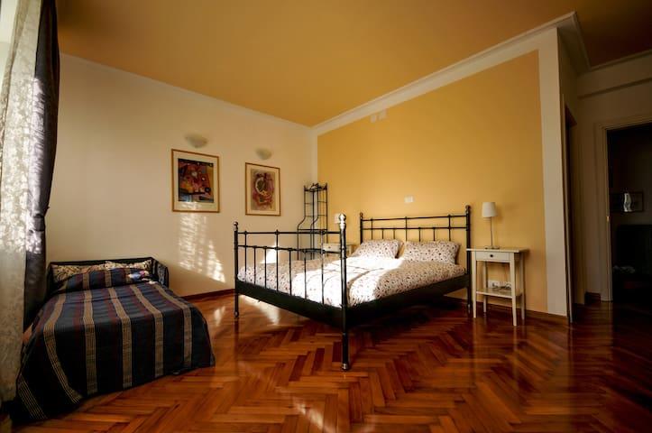 stanza matrimoniale/tripla