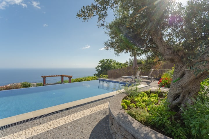 Villa Miradouro da Baleia (Heated Pool optional)