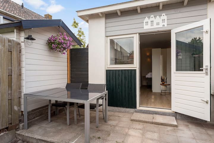 Guest House Baarn - Tuin-Airco-goed bed-pantry