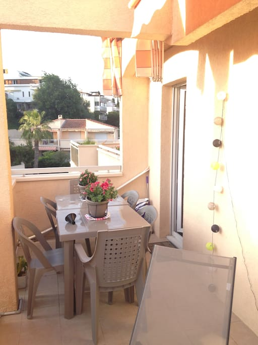 2 pcs calme gde terrasse au soleil appartements louer antibes provence alpes c te d 39 azur. Black Bedroom Furniture Sets. Home Design Ideas