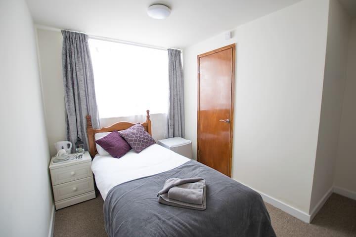A Single room in The Abercorn
