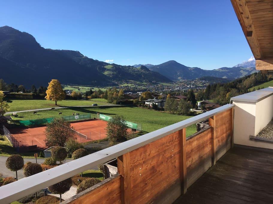 Ausblick von der Wohnung auf Kitzbühel