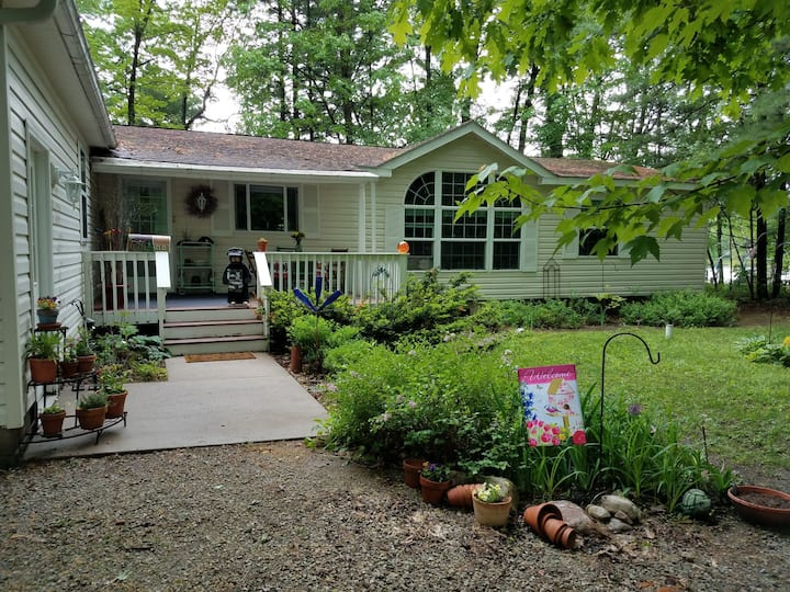 Menominee River Vacation Home in Marinette Co. WI