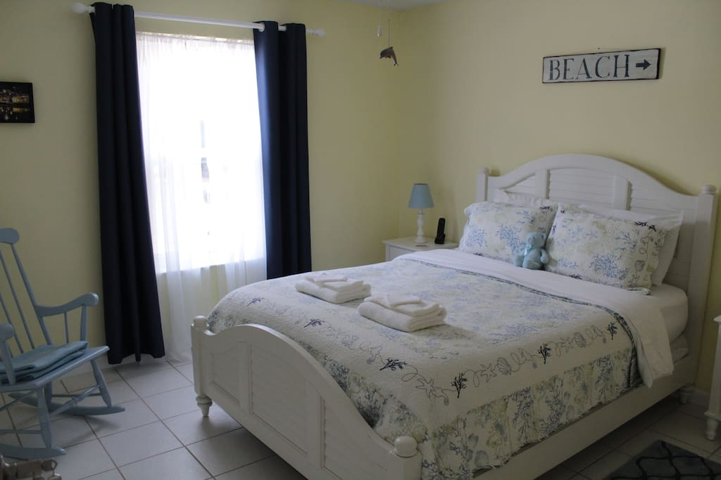 Private Queen Room