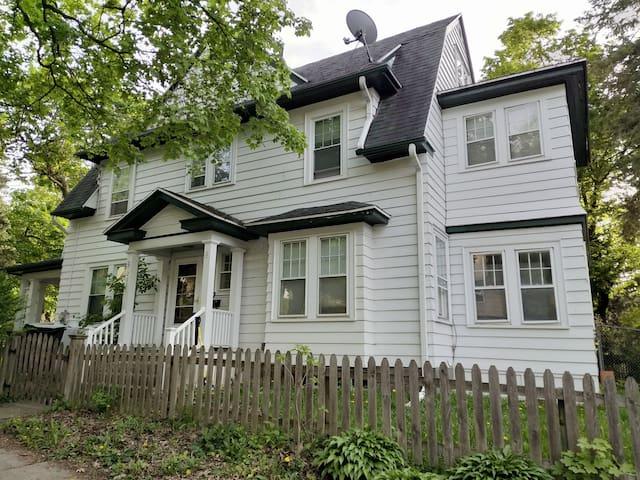 Classic American House in Heart of Westcott 接近 SU