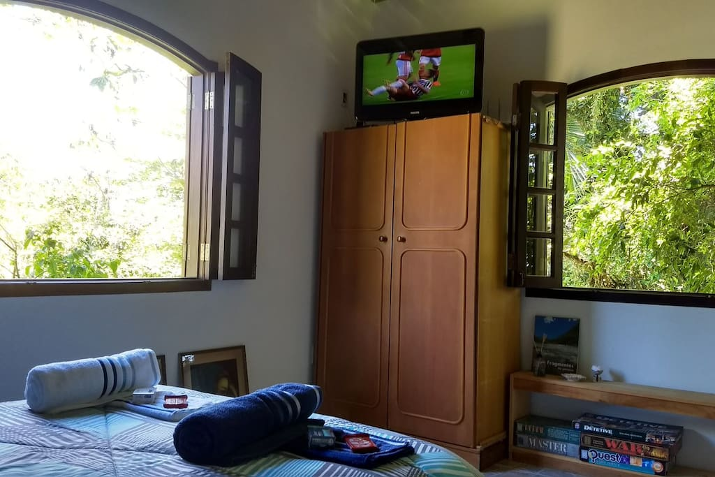 Quarto 2 - 1º Andar - TV a Cabo e WiFi