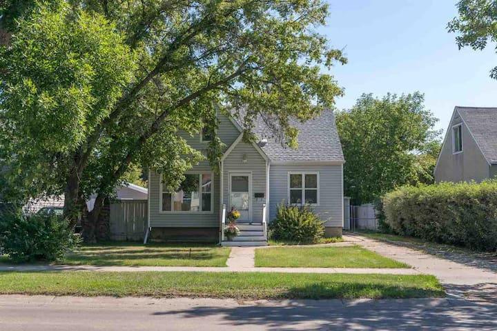 Maison chalet a 10 mn du centre d'Edmonton
