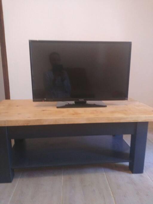 TV LED 80cm