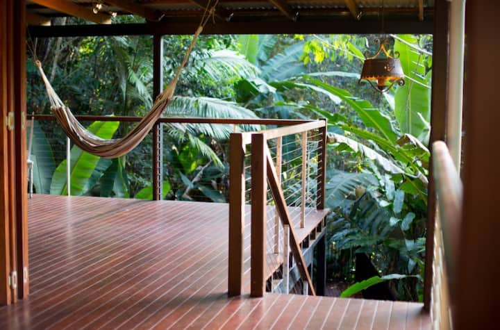 Treetops Retreat Cairns (rainforest resort home)