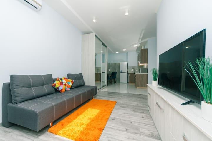 Новая ,видовая, красивая и уютная в новом доме