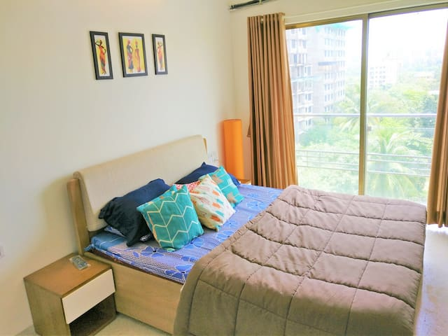 1 Bedroom Apartment with Balcony in Andheri West