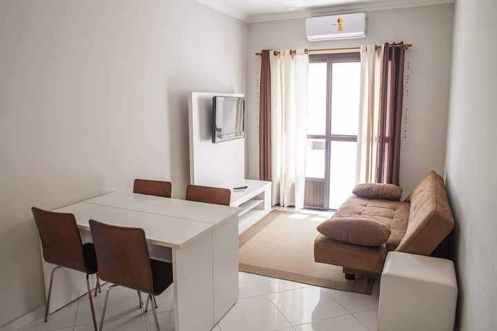 Apartamento 2 dormitórios praia Enseada - Guarujá