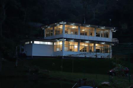 The Lake view resort Full|Trekking|Boating|Fishing
