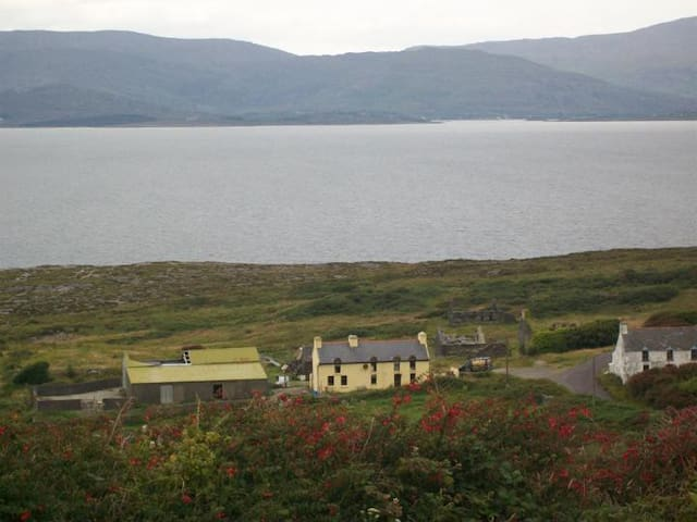 Double room in Farmhouse - Bantry - Hytte
