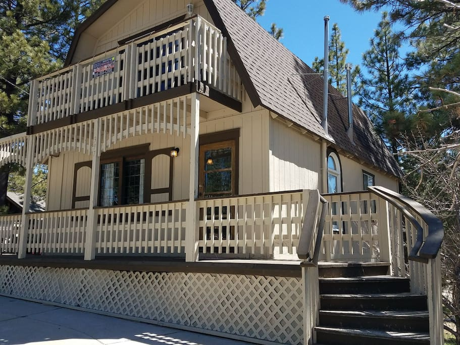Marina lake view steps to marina rentals lake cabins Big bear lakefront cabins for rent