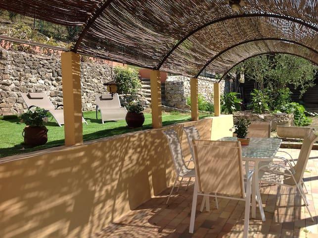 charmant 2/3 p. dans villa avec jardin et terrasse - Peillon - Apartment