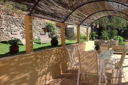 charmant 2/3 p. dans villa avec jardin et terrasse - Peillon - Wohnung