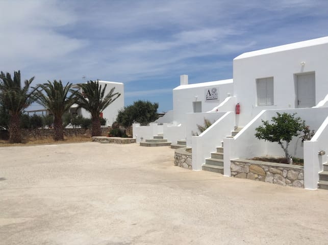 2-Bedroom Apartment (4 Adults) near Mykonos Town