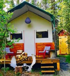 Cyclists dream, Super cozy Deluxe Yukon Wall Tent