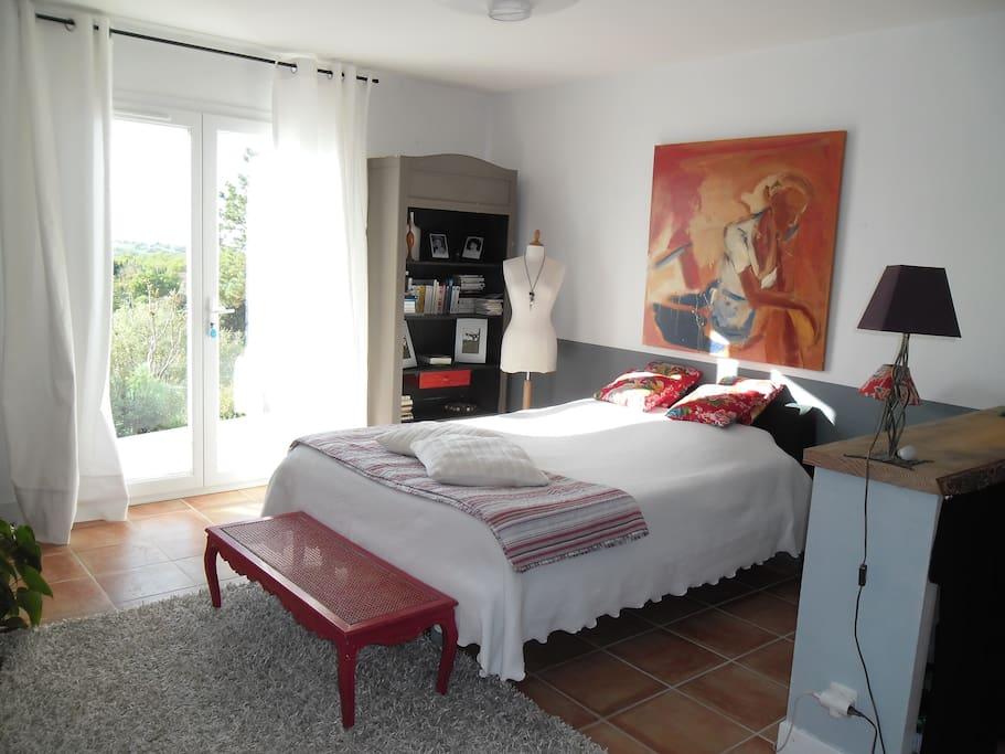 Chambre spacieuse 24 m2 avec acc s ind pendant maisons for Chambre 9 m2 minimum