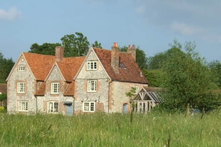 B&B in Shalbourne Home  with a view