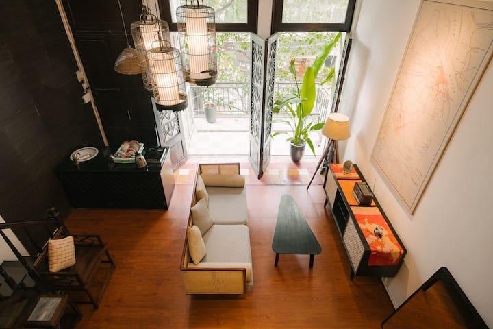 Luxury Apt🇻🇳Few steps to Hoan Kiem Lake🇻🇳Big Balcony