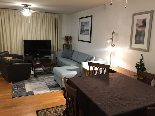 Private 3BR First Floor Suite-Park & Walk to Metro