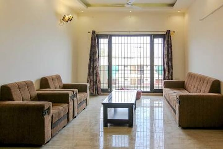 3 BHK Apartment Near Pacific Mall