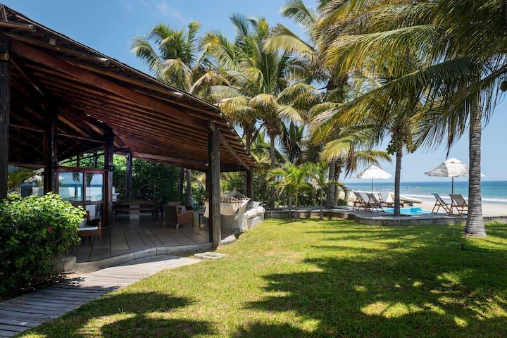 VILLA MONICA, Exclusiva casa en Punta Sal