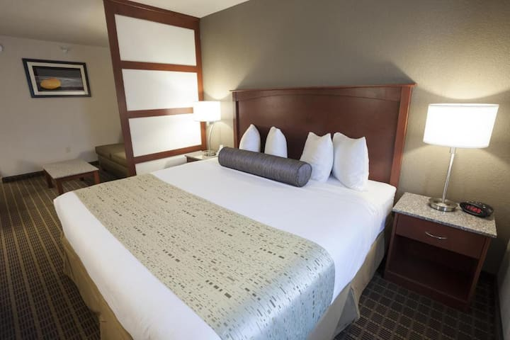 Good-Looking Suite Double Bed At Air Force Academy