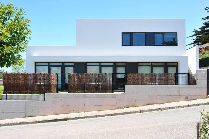 Nuevo apartamento junto a la playa