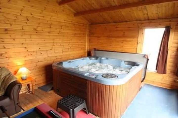 Cottage with Private Indoor Hot Tub West Wales M1